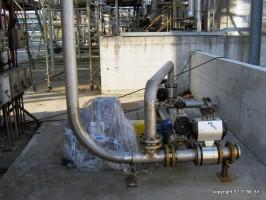 Prefabbricazione di tubazioni in acciaio inox 304-316 di qualsiasi diametro con la relativa posa in opera con mezzi meccanici di ns. proprieta'
